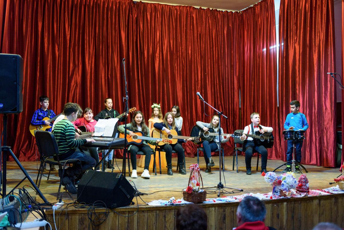 Chitariști și soliști pregătiți de profesorul Levente Szocs