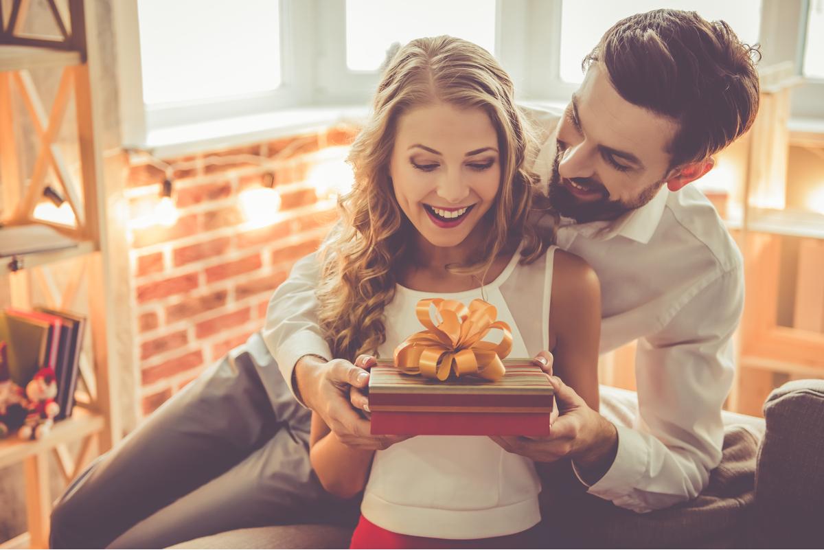 Aniversarea de intalnire a cadourilor site- ul de dating adopta un barbat